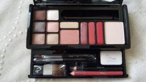 big makeup kit